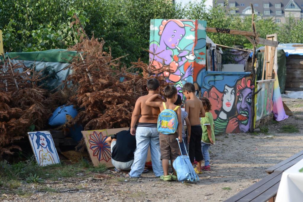 Kinder der romänischen Straße